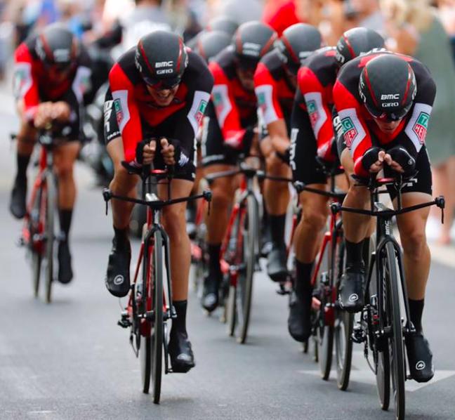 El BMC gana la primera etapa de la Vuelta
